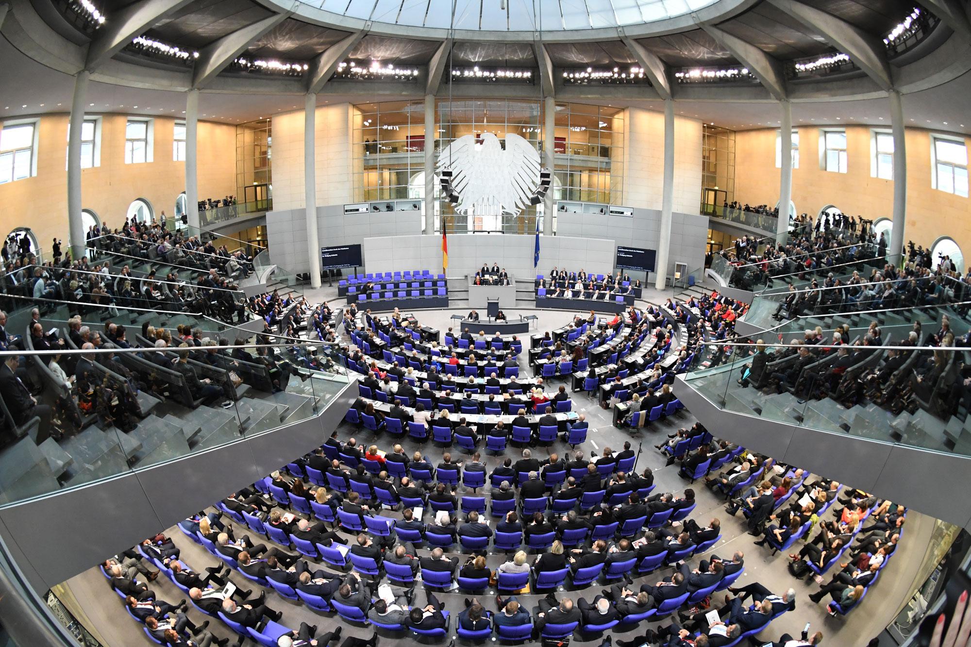 Bundestag verabschiedet Reform der Erneuerbaren Energien und ebnet den Weg für den Wasserstoffausbau