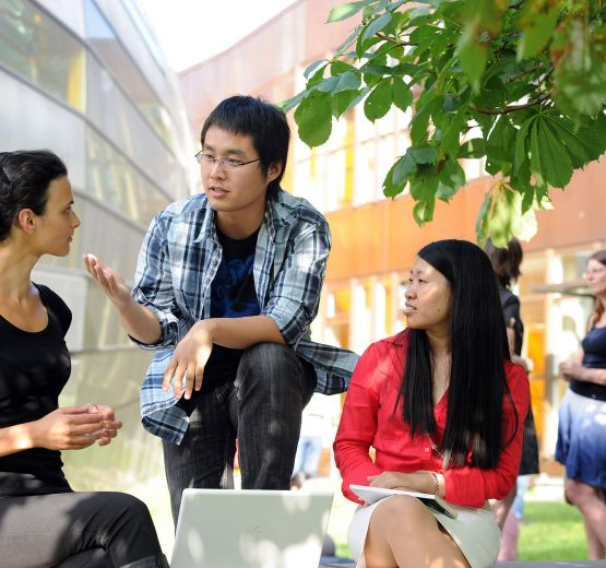 People from 125 countries study and research at the FU Berlin.