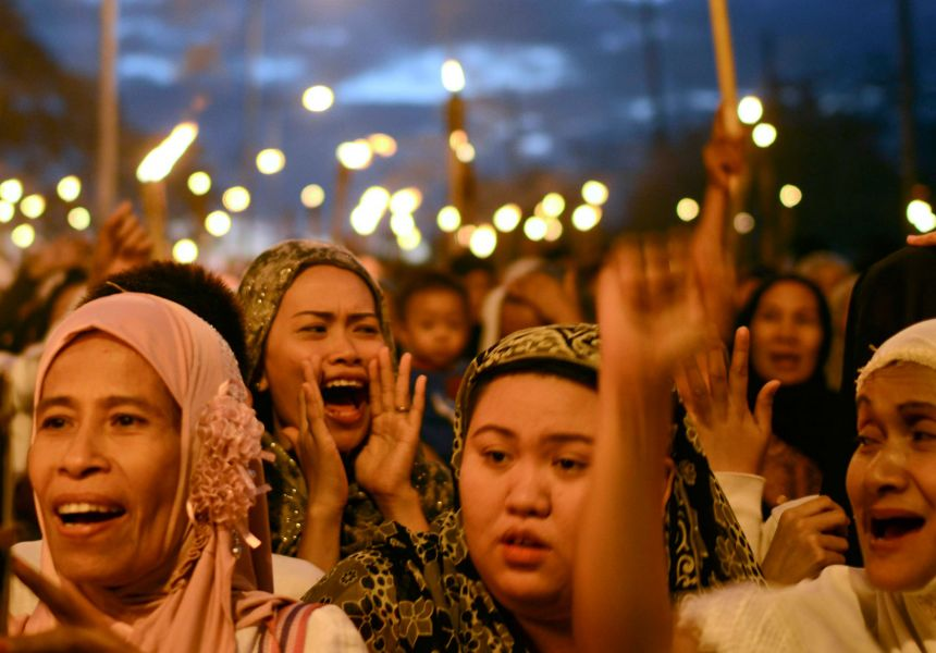 Women's peace march in the Philippines