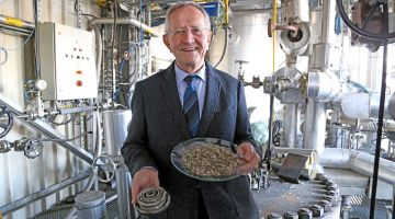 Bernd Meyer is developing a chemical recycling process.