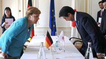 German Chancellor Merkel with Prime Minister Abe in 2019.