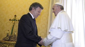 Colombia's President Juan Manuel Santos with Pope Francis