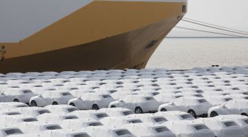 Ready for export: cars wait for shipping in Emden.