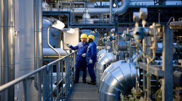 Industry in Germany: Two BASF employees at an inspection tour at the Ludwigshafen plant