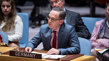 Heiko Maas taking part in a debate at the United Nations