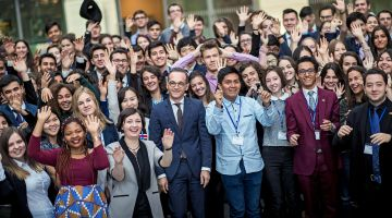 PASCH bursary recipients with Federal Foreign Minister Heiko Maas in Berlin