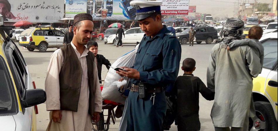 deutschland unterst tzt die ausbildung von polizisten in afghanistan. Black Bedroom Furniture Sets. Home Design Ideas