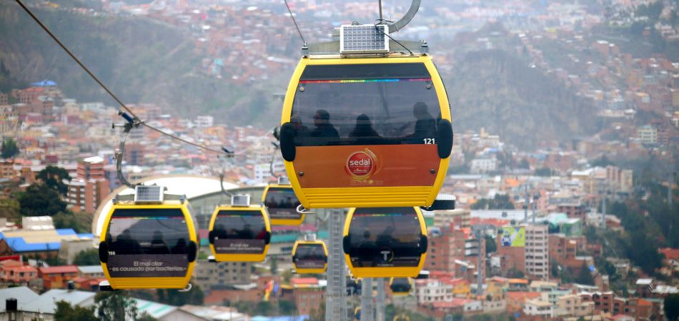 Public transport over the rooftops of La Paz