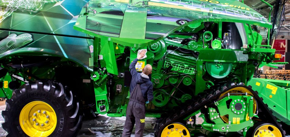 High-tech: combine harvester produced by John Deere