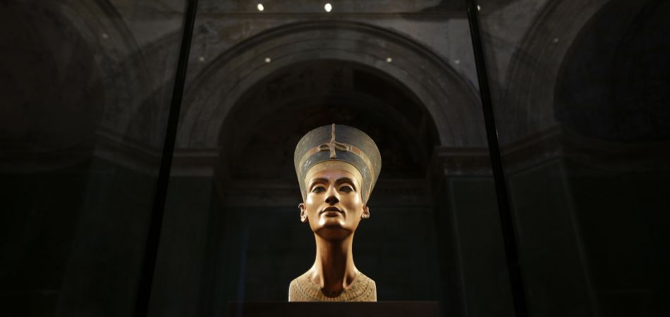 The bust of Nefertiti at the Neues Museum in Berlin