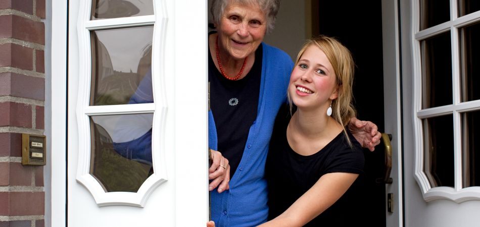 Living for Help brings together students and elderly people.