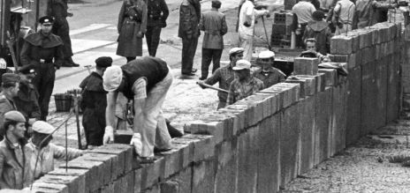 Berlin commemorates Wall victims