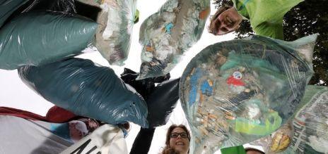 Germans clean up plastic trash