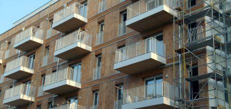 German construction permits drop