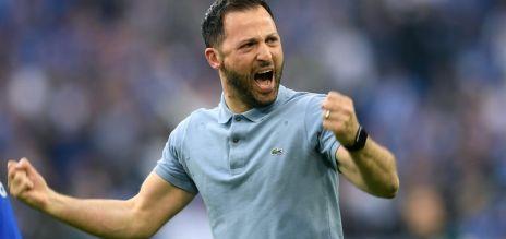Schalke coach to stay until 2022