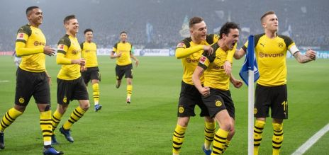 Dortmund stay on title course
