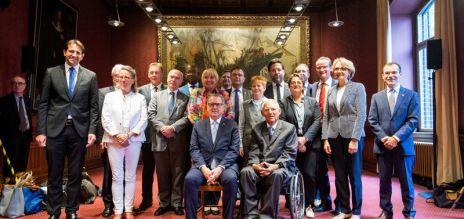 Parlamente arbeiten enger zusammen