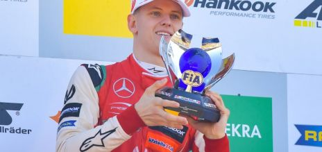 Mick Schumacher triunfa en F3