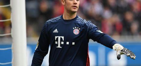 Neuer returns to training