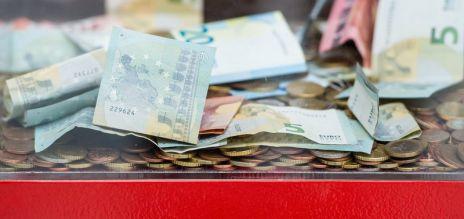 Deutsche spenden mehr Geld