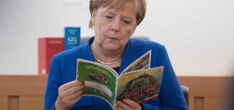 Merkel besucht Rechtsstaatsklasse