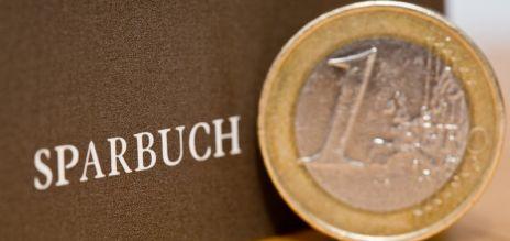 Deutsche sparen lieber risikoarm