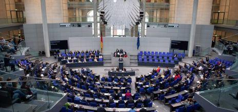 Parlament würdigt Grundgesetz