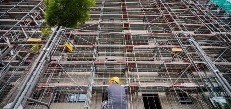 German construction orders decline