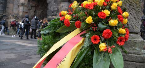 In Trier hat ein Mann mit einem Auto mehrere Menschen überfahren.