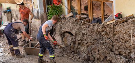 Benefizaktionen, Spenden, Gedenken: Deutschland zeigt große Solidarität mit den Flutopfern.