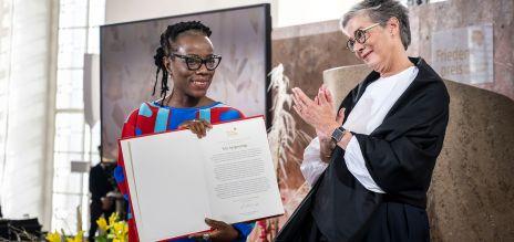 Autorin Dangarembga mit Friedenspreis geehrt
