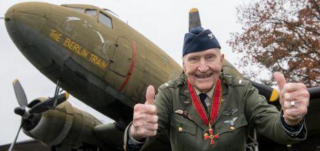 70 лет воздушному мосту: Гейл Хелворсен