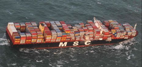 Containerschiff verliert Teile seiner Fracht