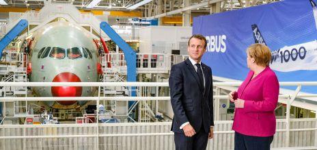 Angela Merkel und Emmanuel Macron bei Airbus