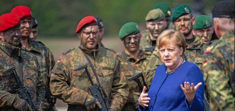 Merkel besucht Nato-Eingreiftruppe
