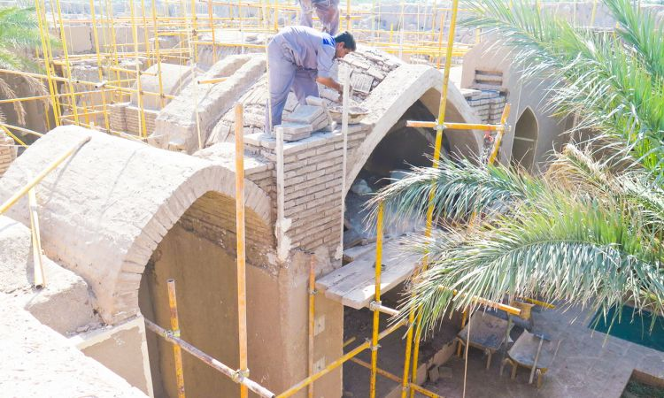 Reconstruction of vaults at Sistani House with clay brickwork