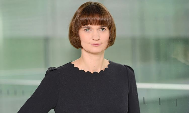 Occupations of members of the Bundestag: Claudia Müller (Green Party) is a tour guide