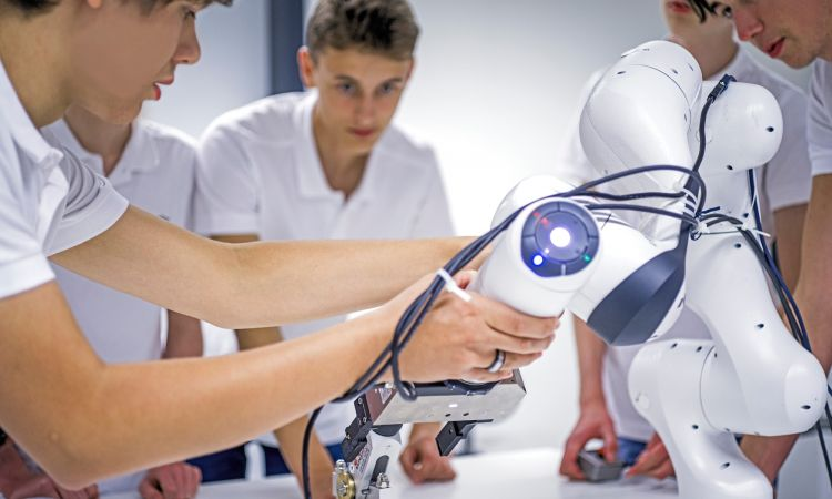 German Future Prize 2017: Focus on humans – robot assistants