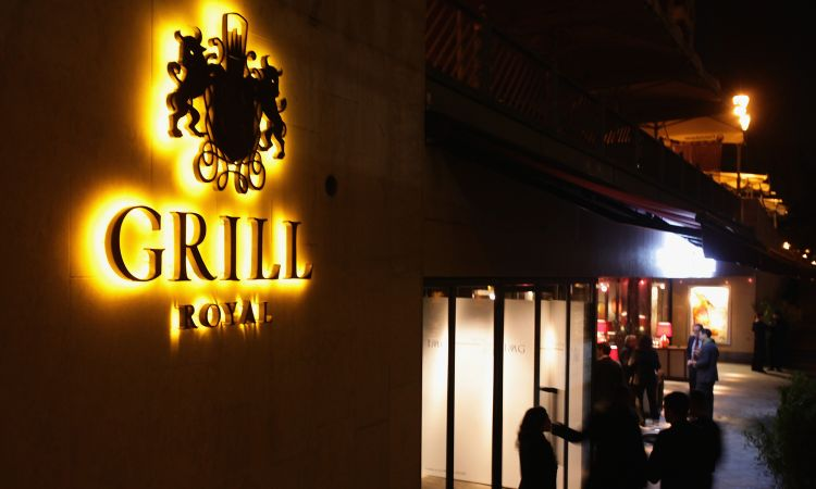 Glamour hidden behind a grey facade: Grill Royal