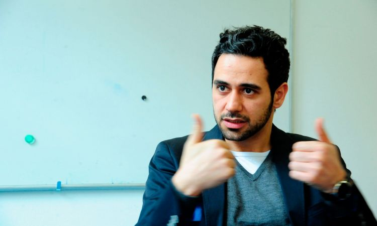 "Hassan Asfour, a co-founder of the programme ""Dialog macht Schule"""