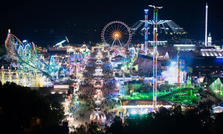 Volksfeste Oktoberfest-by-night