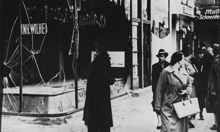 Kristallnacht in Berlin: the windows of Jewish shops and businesses were smashed and Jews were attacked.