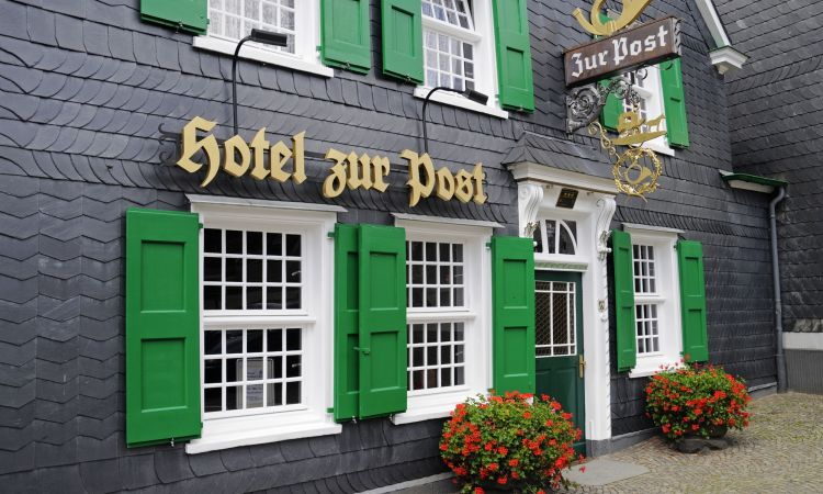 Hundreds of hotels are called Zur Post