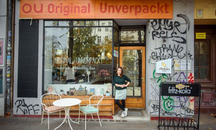 Milena Glimbovski in front of her packaging-free shop in Berlin